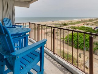Beachside condo w/great ocean views - small dogs welcome! - Ocean City vacation rentals