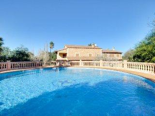 Stunning villa w/ private pool, easy beach access & nearby conveniences - Algaida vacation rentals