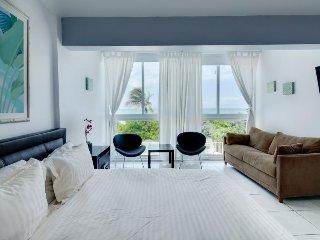 Beachfront condo w/ resort amenities, partial ocean views! - Miami Beach vacation rentals