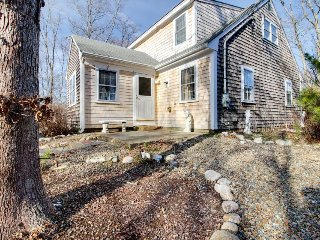Quiet family-friendly home w/jetted tub & prime location - Vineyard Haven vacation rentals