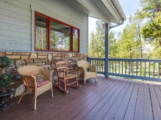 Woodside home with private hot tub perfect for weddings and large groups - Fraser vacation rentals