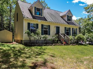 Family home with a deck, close to Boothbay attractions! - Boothbay vacation rentals