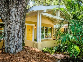 Dog-friendly vibrant cottage w/ a hot tub, private beach access, and more! - Sarasota vacation rentals