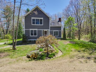 Family getaway w/prime location, jetted tub - walk to Goose Rocks Beach! - Kennebunkport vacation rentals