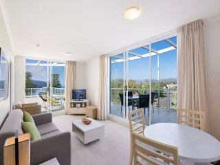 THE MINI PENTHOUSE - ETTALONG BEACH RESORT - Ettalong Beach vacation rentals