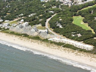 Cozy 2 bedroom Condo in Caswell Beach - Caswell Beach vacation rentals