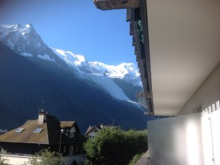 2 bed luxury apartment in central Chamonix by lift - Chamonix vacation rentals