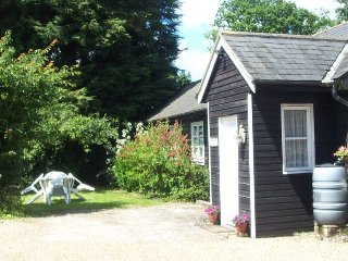 2 bedroom Cottage with Internet Access in Petham - Petham vacation rentals