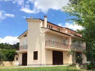 """Villa """"La Grande Quercia"""" - Tricarico vacation rentals"""