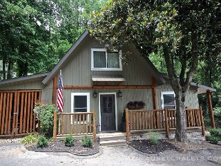 New Cabin on a Creek - Gatlinburg vacation rentals