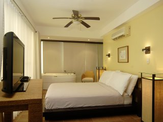 Hanuno'o (Split-level Penthouse) - Quad - Boracay vacation rentals