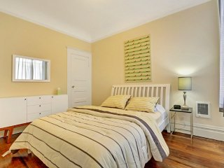 Bright and Fun 2 Bedroom Apartment in North Beach - Professionally Cleaned - San Francisco vacation rentals