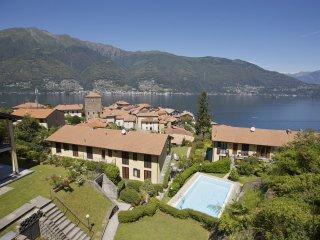 Residence La Fonte: Casa Romantica - Pino Lago Maggiore vacation rentals