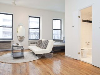 Furnished Studio Apartment at 1st Avenue & E 76th St New York - Manhattan vacation rentals