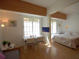 Comfortable Condo with Internet Access and A/C - Tossa de Mar vacation rentals