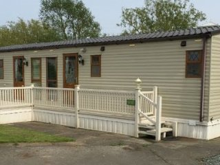 Luxury Six Berth Caravan Southview Skegness - Skegness vacation rentals