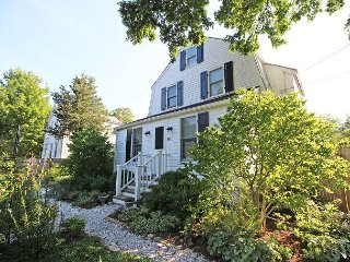 Lovely House with Internet Access and Dishwasher - Vineyard Haven vacation rentals