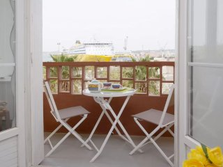 Romantic 1 bedroom Apartment in Toulon - Toulon vacation rentals