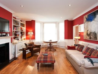 Lovely 2bd Pied a Terre in Kensington Hyde Park {LN1} - London vacation rentals