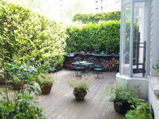 Maison avec terrasse arborée et fleurie - Aubervilliers vacation rentals