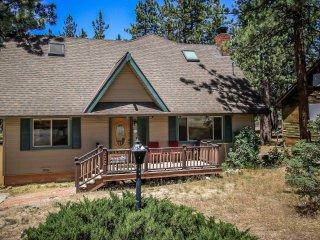 4 bedroom House with Hot Tub in Big Bear Lake - Big Bear Lake vacation rentals