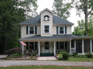 1 bedroom Bed and Breakfast with Internet Access in Black Mountain - Black Mountain vacation rentals