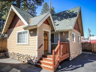 Cozy 2 bedroom Big Bear Lake House with Central Heating - Big Bear Lake vacation rentals