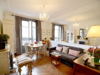 2 Bedroom Apartment Close to Eiffel Tower - Paris vacation rentals