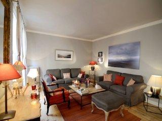 Vacation 1 Bedroom Apartment in the Heart of Paris - Paris vacation rentals