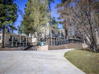 Perfect 2 bedroom House in Big Bear Lake with Fireplace - Big Bear Lake vacation rentals