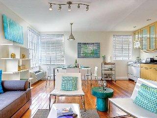 Miami Beach - Trendy SoBe loft with plenty of light, pool - steps to beach. - Miami Beach vacation rentals