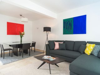 BRIGHT 1BR/1BATH ON CALLE AMSTERDAM - Mexico City vacation rentals