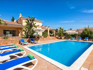 Casa dos Cedros - Delightful  5 bedroom villa close to Carvoeiro with games - Lagoa vacation rentals