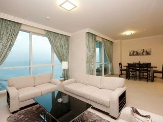 WOW! Prime Location! Minutes to Beach and Shops! - Dubai vacation rentals