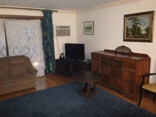 2 bedroom Apartment with Internet Access in Chicago - Chicago vacation rentals