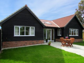 Charming House with Internet Access and Television - Leiston vacation rentals