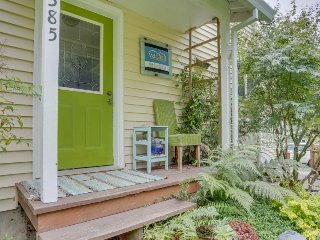 Quiet, modern dog-friendly house with garden, fish cleaning station, grill! - Bay City vacation rentals