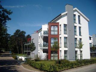 Ferienwohnung in absoluter Strandnähe - Ostseebad Baabe vacation rentals