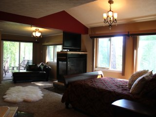 1 bedroom Bed and Breakfast with Internet Access in Newport - Newport vacation rentals