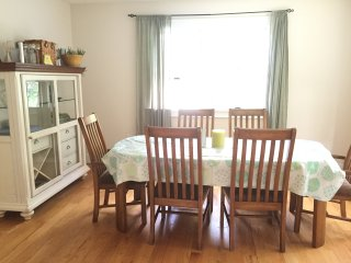 NEW Listing! Spacious Edgartown Home- Sleeps 9 - Edgartown vacation rentals
