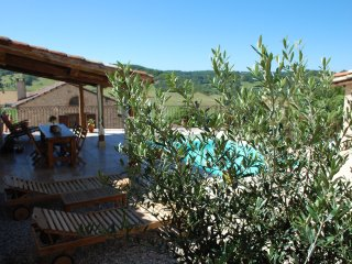 2 bedroom Bed and Breakfast with Shared Outdoor Pool in Cordes-sur-Ciel - Cordes-sur-Ciel vacation rentals