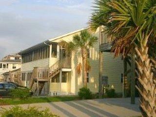 Windy Hill Villa #3 PET FRIENDLY! 150yrds to beach - North Myrtle Beach vacation rentals