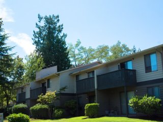 3 bedroom Condo with Internet Access in Lake Forest Park - Lake Forest Park vacation rentals