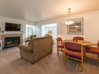 2 bedroom Apartment with Internet Access in Redmond - Redmond vacation rentals