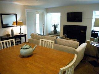 Lovely 2 bedroom Condo in Redmond - Redmond vacation rentals