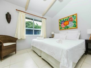 Maine Villa - Central & Spacious in Muri beach - Muri vacation rentals