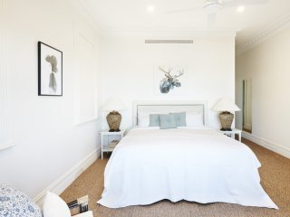 THE HARBOUR VIEW POINT PIPER - Contemporary Hotels - Double Bay vacation rentals