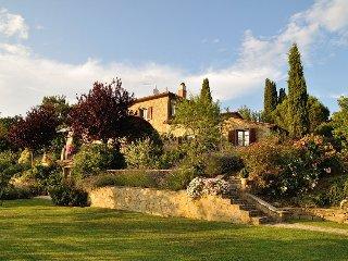 Toscana Fantastica - Cortona , Villa and its Cottage, Sleeps 6 or 12, large - Cortona vacation rentals