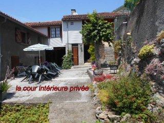 """gîte """"maison-de-montagne""""  à THEBE - Mauleon Barousse vacation rentals"""