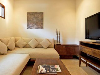 5 BHK Fully Furnished Bungalow in Sector 3 - New Delhi vacation rentals